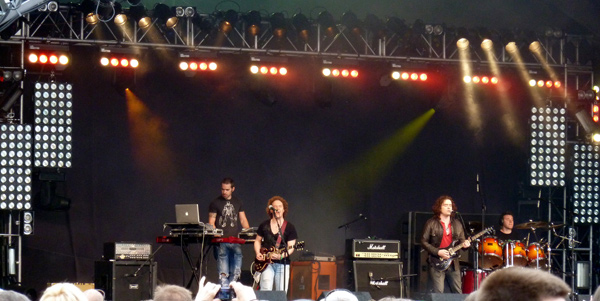 Anathema on the prog stage at High Voltage