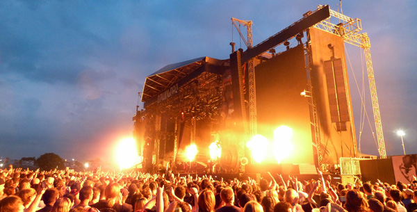 Avenged Sevenfold Download Festival 2014 Pyro Going Off