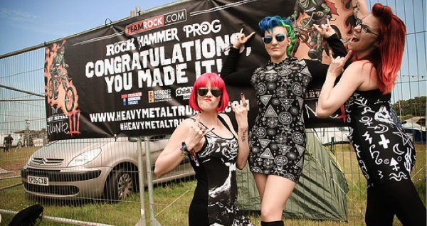 The lounge kittens interviewed at download festival 2017.