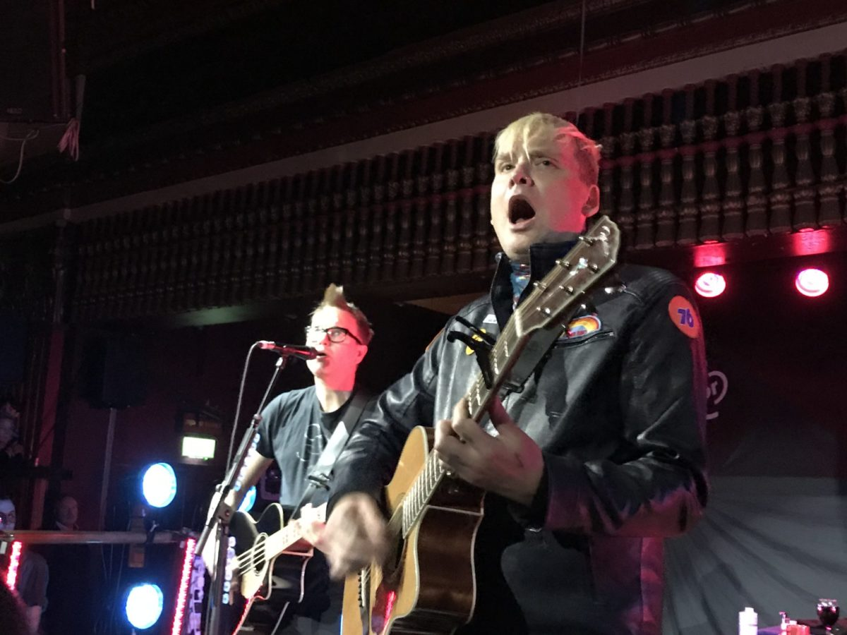 Blink-182 Acoustic Live Review From Kingston, 18th October ...